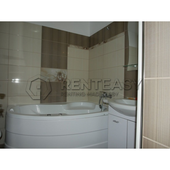 Apartament 3 camere Independentei